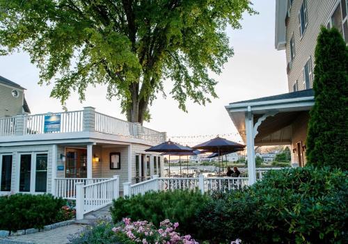 The Breakwater Inn & Spa