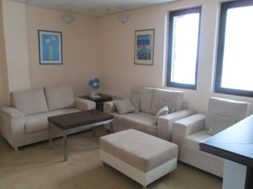 Snow Lodge Alexander Services Apartments