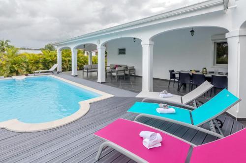 Villa les Mineurs : Superbe Villa avec Piscine et Jardin, Goyave
