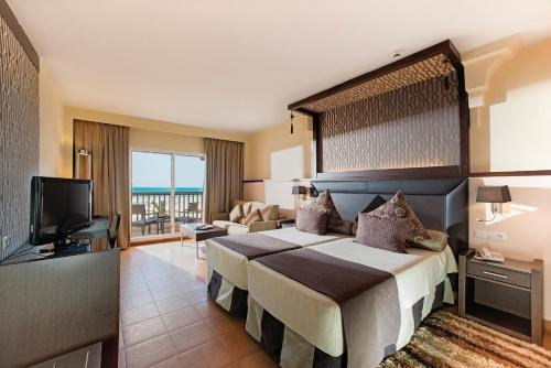 Superior Triple Room with Sea View (2 Adults + 1 Child)