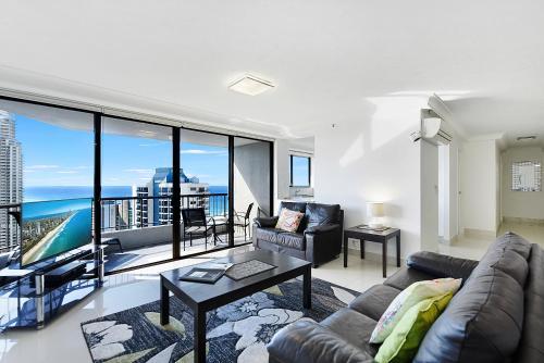 Surfers Century Oceanside Apartments Gold Coast