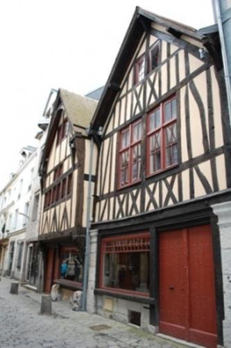michelin le mans to rouen route find the best itinerary. Black Bedroom Furniture Sets. Home Design Ideas