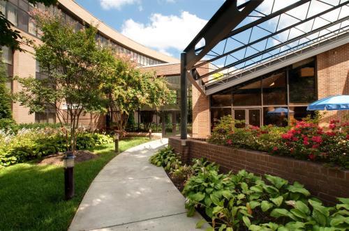 Hilton Washington Dulles Airport Hotel Herndon