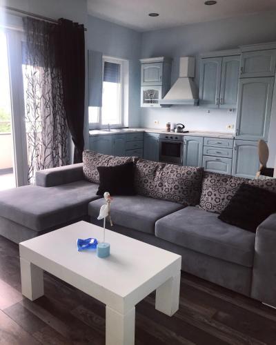 Lily's Apartment, Tirana