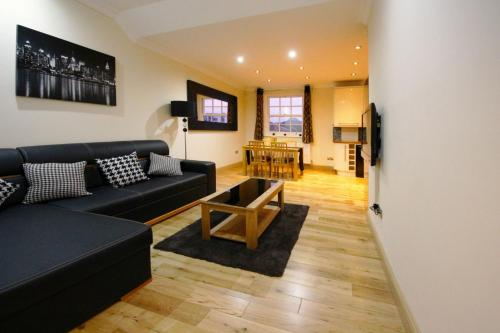 Photo of Wyncliff Apartments Self Catering Accommodation in London London