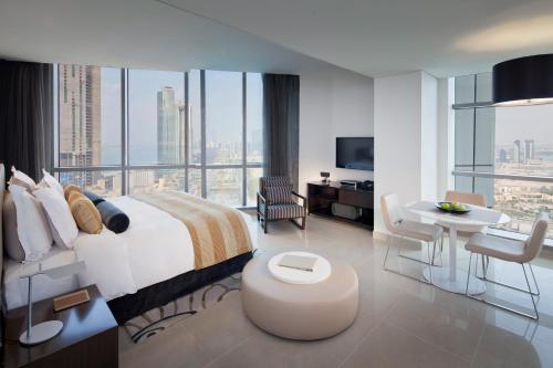 Jumeirah at Etihad Towers Residence photo 5