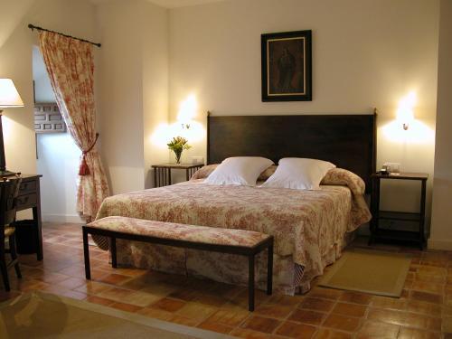 Comfort Double Room Hotel Puerta de la Luna 2