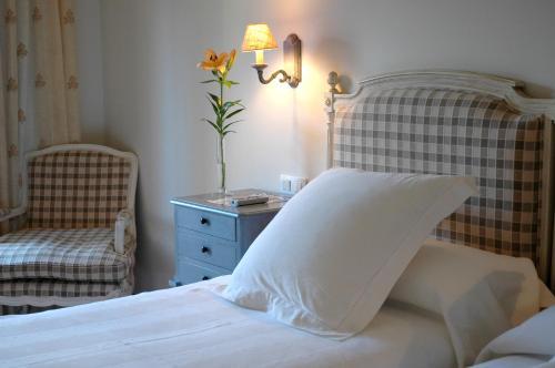 Double Room (2 Adults + 1 Child ) Hotel Puerta de la Luna 3