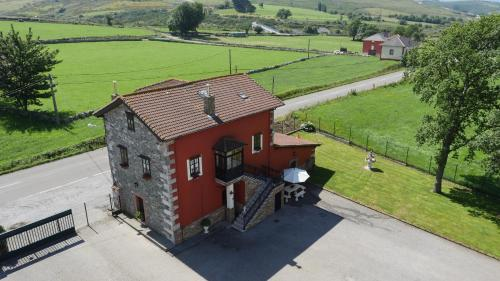 Casa Cinco Robles
