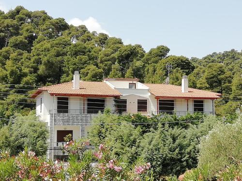 Adonis Family Forest House, Áyios Nikólaos