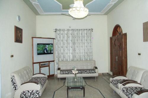 Luxury House-Ground Floor