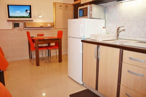 Cro-Split Apartments