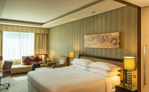 Four Points by Sheraton Bur Dubai photo 35