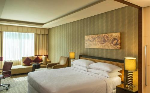 Four Points by Sheraton Bur Dubai photo 37