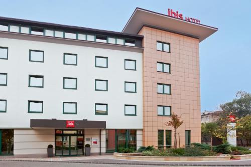 Отель Ibis Győr 3 звезды Венгрия