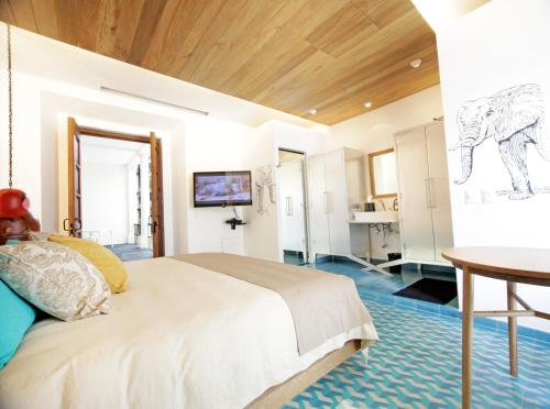 5 starts hotel in Guadalajara