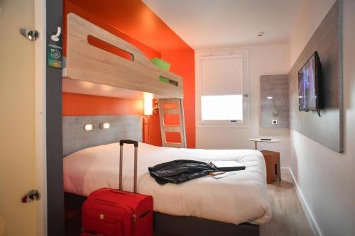 Triple Room with a Double Bed and a Bunk Bed (3 Adults)