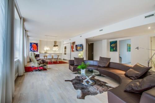 4 room Spacious luxury apartment next to Tivoli