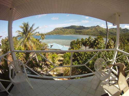 HUAHINE - Apoomatai Bay Bungalow, Parea