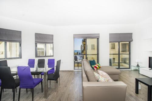 Private Bedrooms in Sea View Flat, Theoria Travel