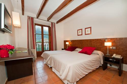 Twin Room - single occupancy Hotel Des Puig 1