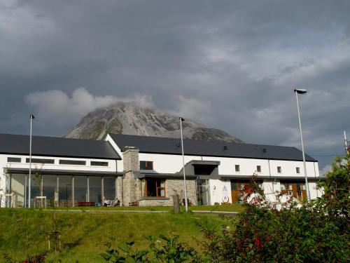 Отель Errigal Youth Hostel