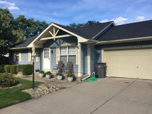 Clean, quiet ranch in subdivision 6 miles from campus