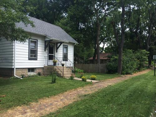 2 BR Home in Urbana