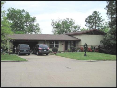 455 W Cleburn St, Fayetteville, AR 72701 Near UA Campus
