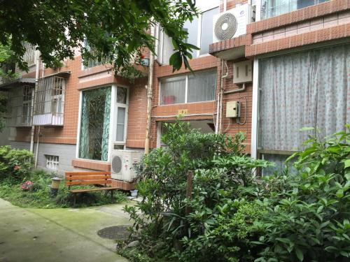 Spacious And Comfortable Guest House In Dujiangyan Scenic Area, Dujiangyan