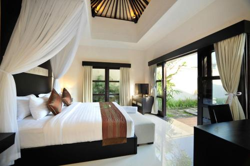 Romantic Package at One-Bedroom Villa with Private Pool