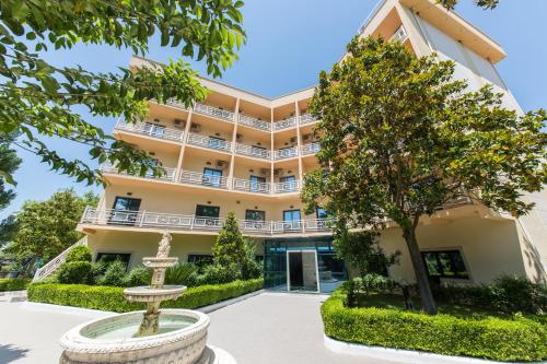 Hotel Tragjasi