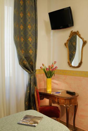 Hotel Parlamento - 4 of 30