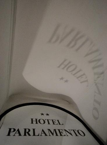 Hotel Parlamento - 5 of 30