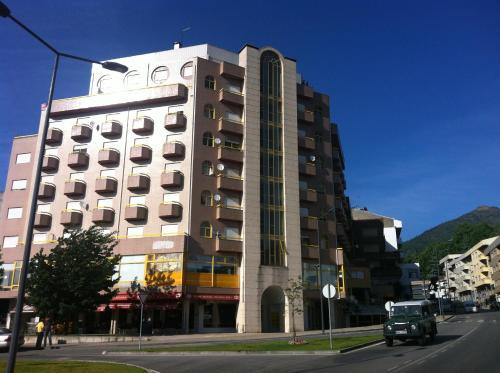 Edifício Senhora da Graça, Av. Dr. Augusto Brito, 2º, AF