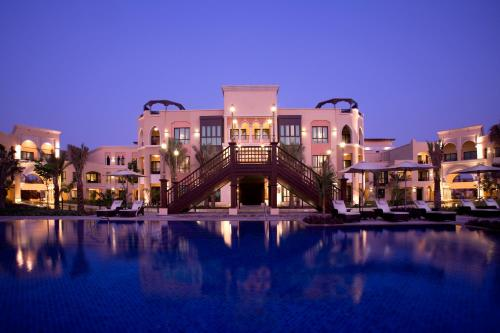 Shangri-La Residences Qaryat Al Beri photo 1