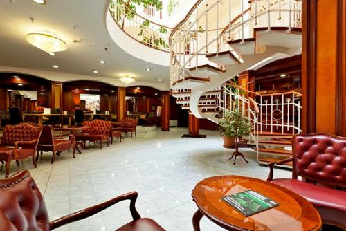 Stay at Hotel na Kazachyem