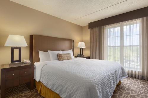 Embassy Suites Hotel Pittsburgh-International Airport PA, 15108