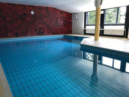Apartment Heartbeat, Винтерберг