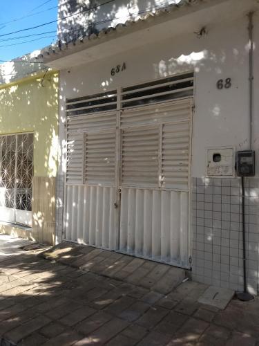 Casa em Cajazeiras com Garagem