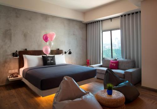 Braga Queen Suite with City View