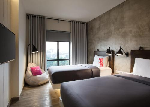 Moxie Twin Room with City View