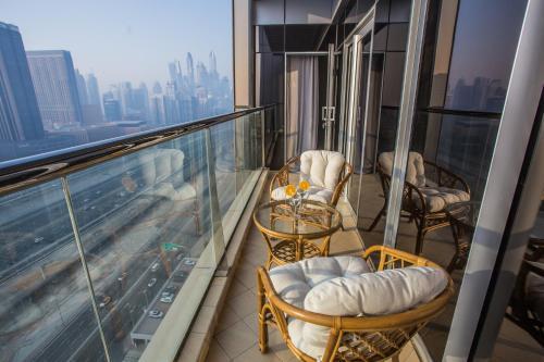 Dubai Deluxe High Floor Balcony Apartment, Dubaj