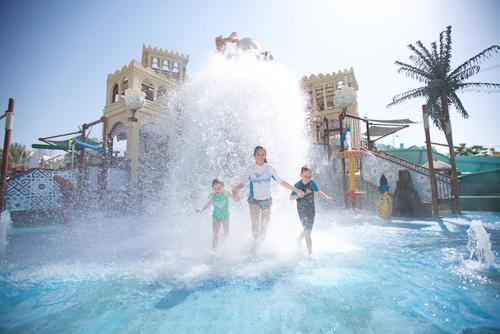 Special offer – 2 Nights Standard room with Warner Bros. World™ or Ferrari World or Yas Water world