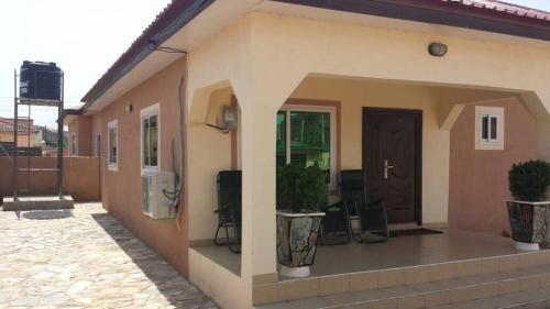 Mama Tess's Luxury Home, Kasoa