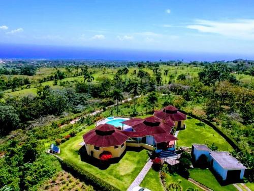 Villa Lotus, Cabrera