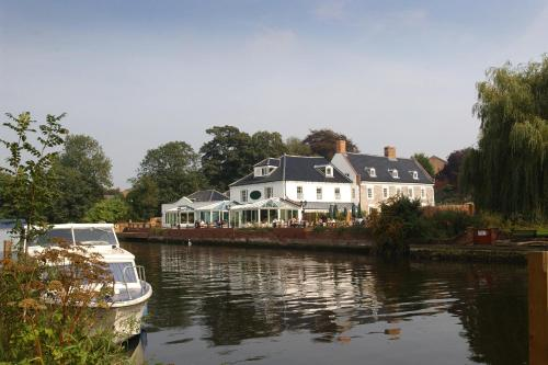 Photo of Waveney House Hotel Hotel Bed and Breakfast Accommodation in Beccles Suffolk