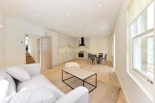 עוד על Brand New Herne Hill Apartments