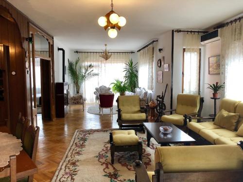 Drita Mami's Apartment, Prizren