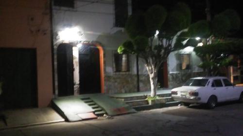 Mendoza's, Santa Ana